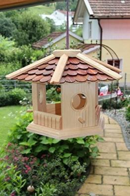 Vogelfutterhaus aus Holz -Schreinerarbeit